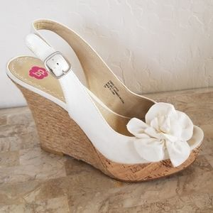 Cream Rose Wedges